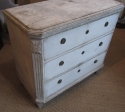 A pair of commodes - picture 3