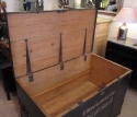A large military trunk - picture 8