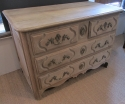 An 18thC French provincial commode - picture 2