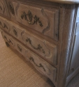 An 18thC French provincial commode - picture 5