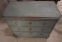 A Swedish painted chest of drawers - picture 4