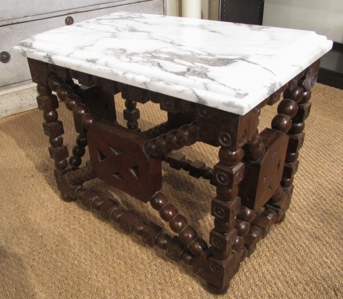 An unusual side table/plinth