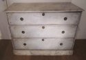 A painted three drawer commode - picture 1