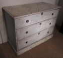 A painted three drawer commode - picture 3