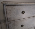 A painted three drawer commode - picture 4