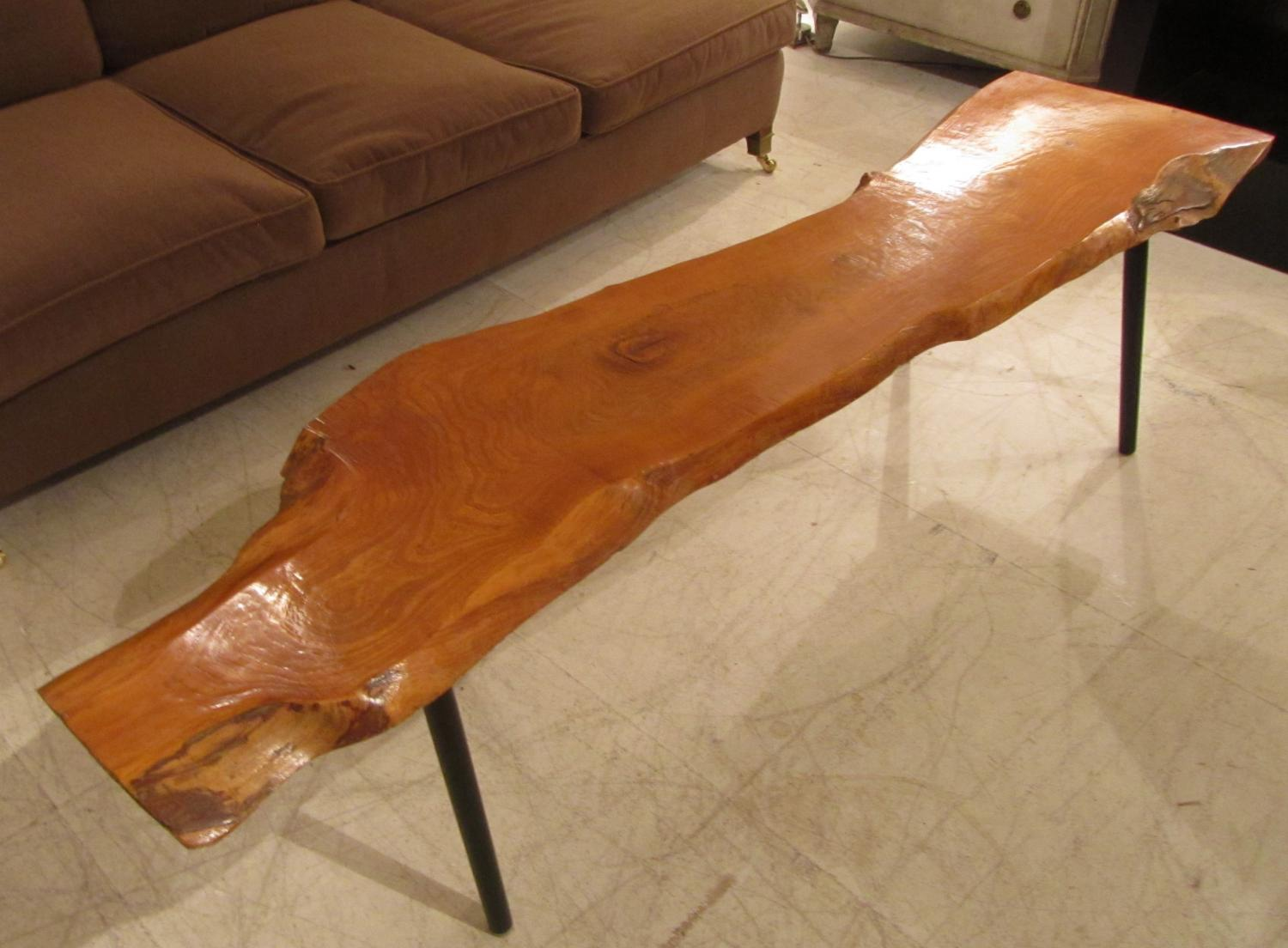 A wooden coffee table/bench