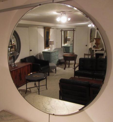 A circular simple mirror