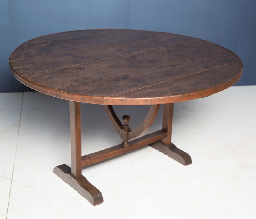 A 19thC walnut and poplar Vendange table
