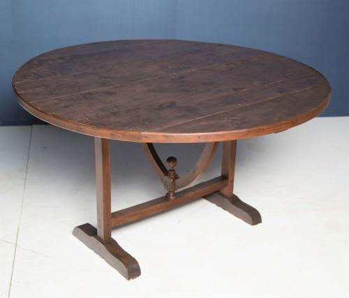 A 19thC walnut and poplar Vendange table
