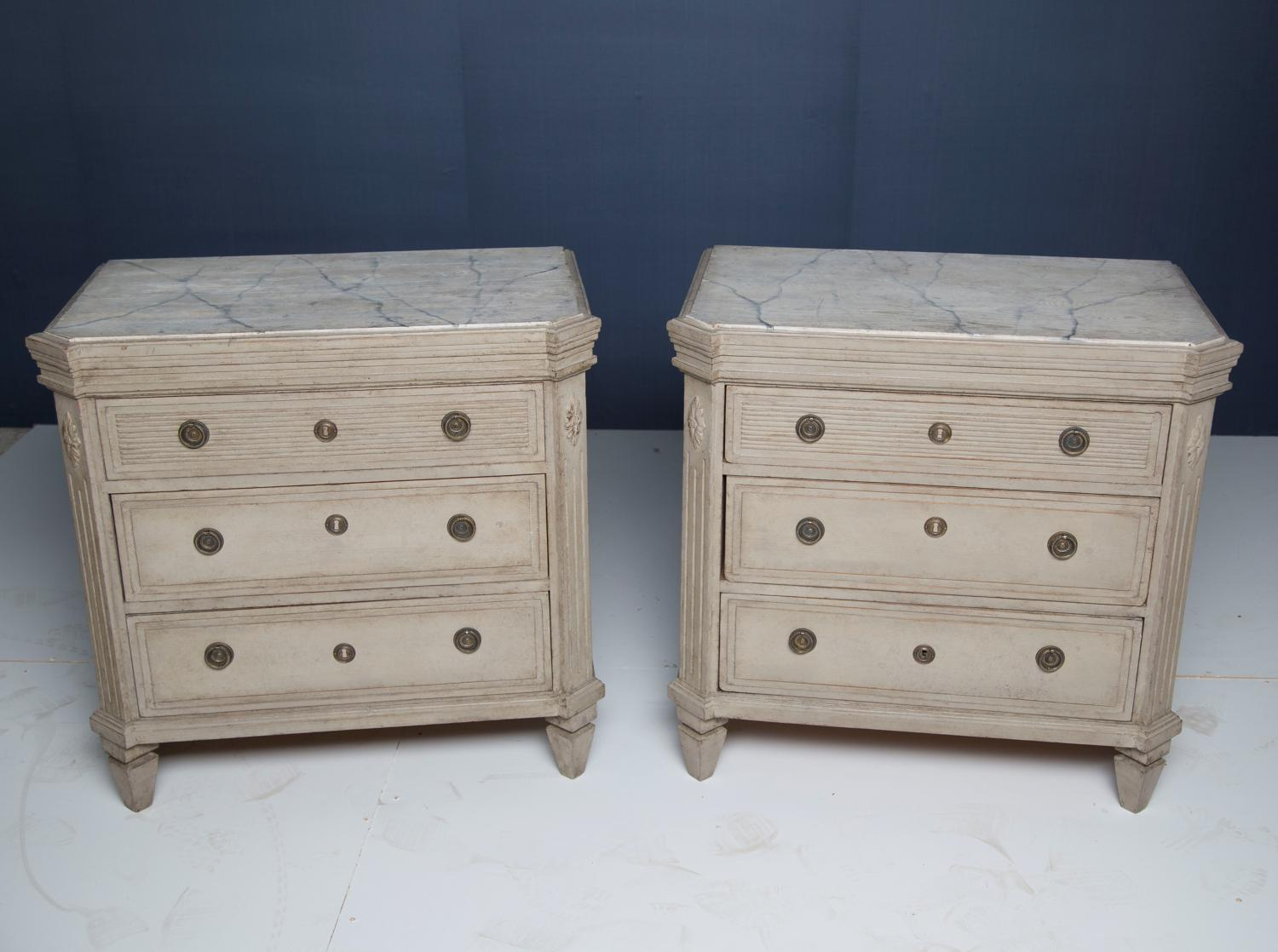 A pair of 19thC Swedish painted commodes