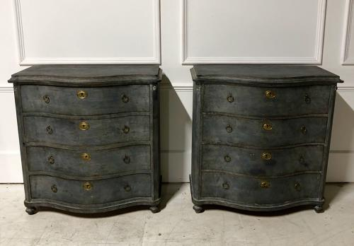 A pair of Swedish Serpentine commodes